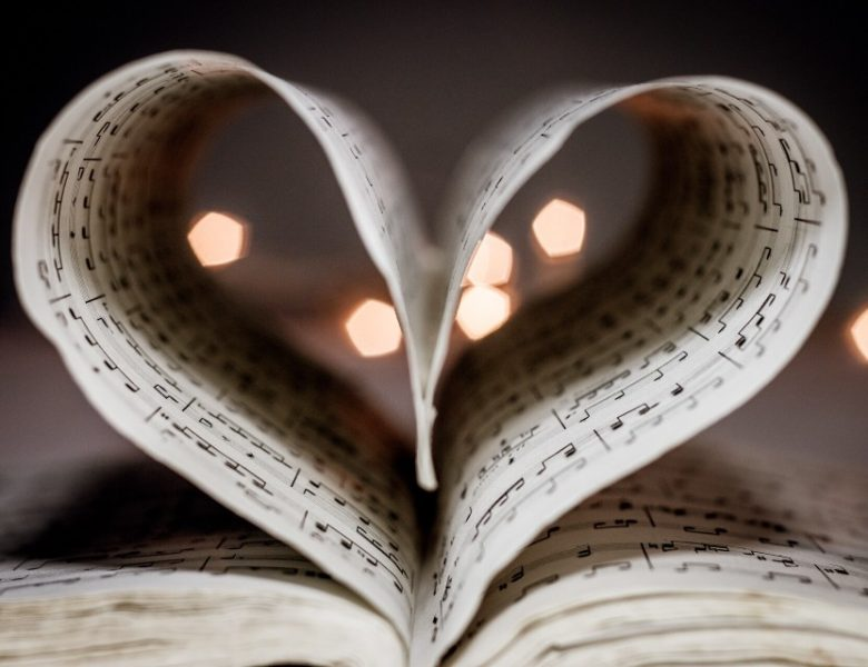 How Does Piano Sheet Music Boost Your Lessons?